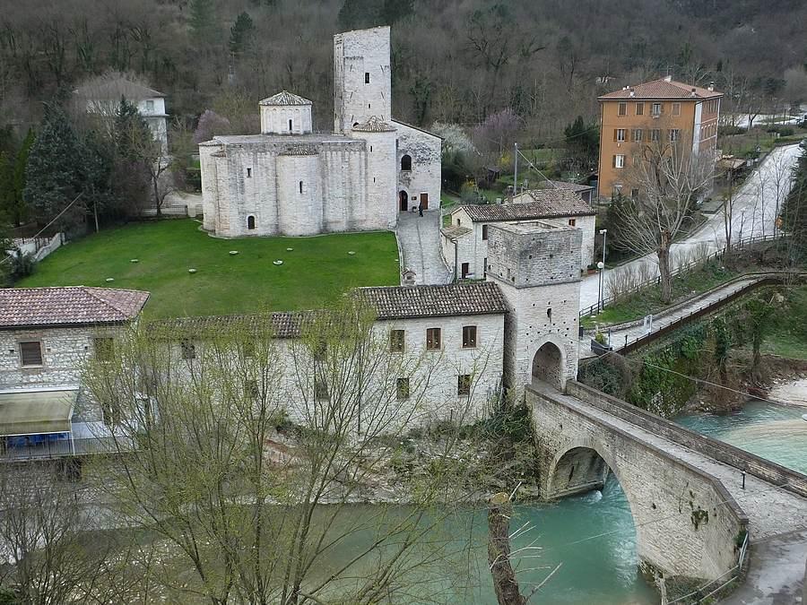 San Vittore alle Chiuse (Frasassi-Genga)
