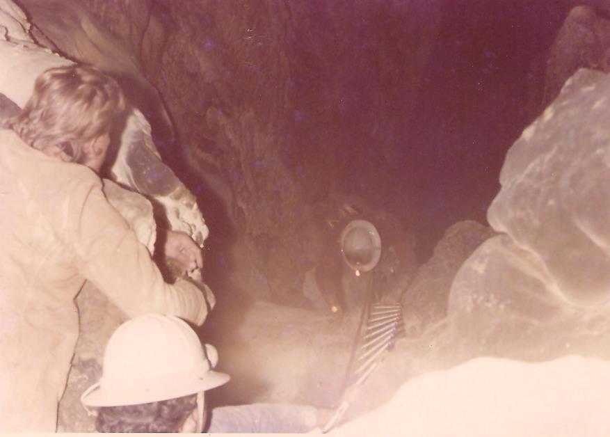 Foto originale da una prima discesa nel Pozzo Ancona