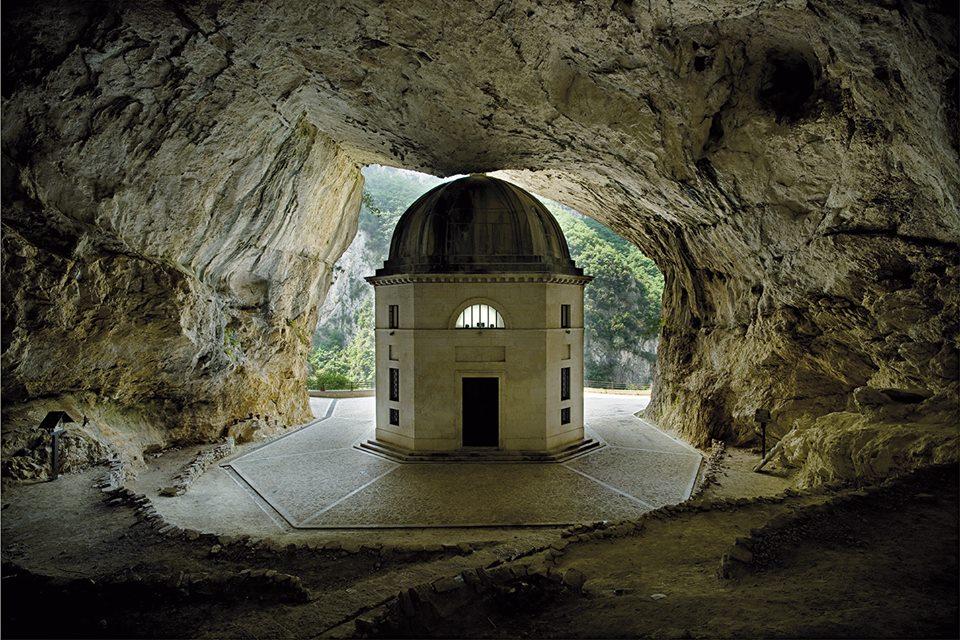 Grotta della Beata Vergine di Frasassi